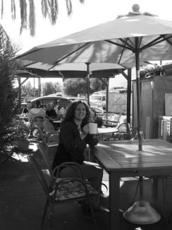 I love me a beautiful patio! Photo: @2014 Mary-Ann Hart
