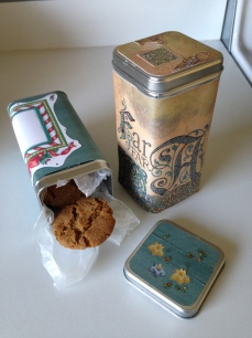 My tins are perfect for our award-winning Molasses Crinkles, too! :)